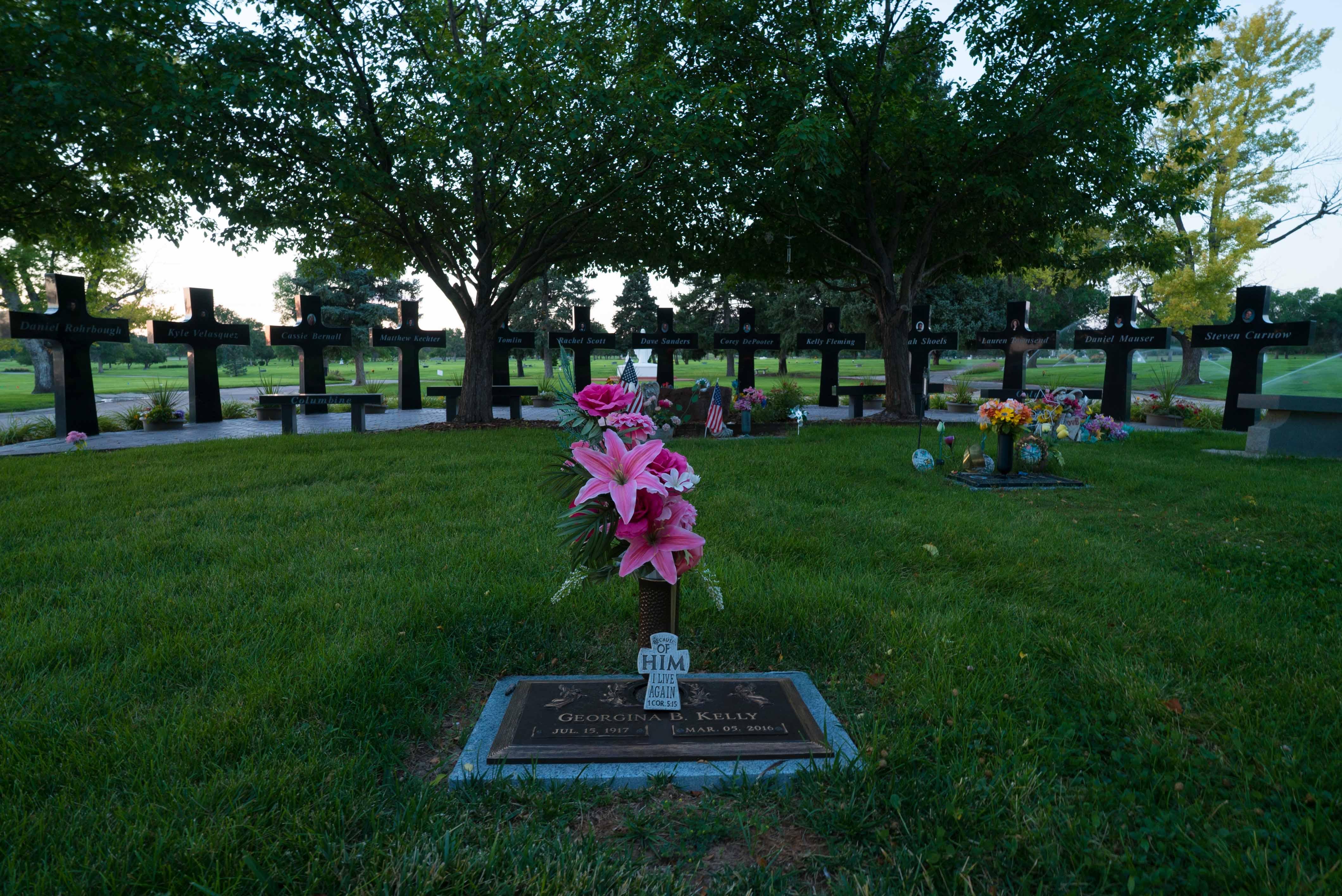 Columbine Memorial Gardens Garden Ftempo